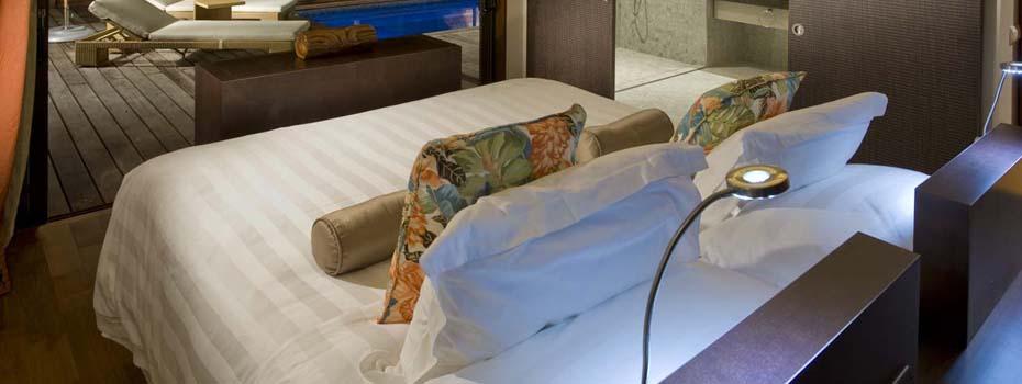 Tahiti honeymoon resorts tahiti honeymoons honeymoons in for Garden pool suite hilton moorea